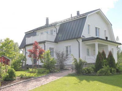 Klassinen Mansardikoti Maaseudulla - Teri-Talot